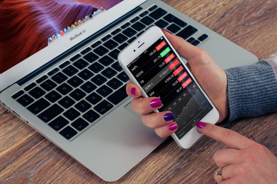 Stock Buying 101 - Top 5 Beginner Tips for Buying Stocks