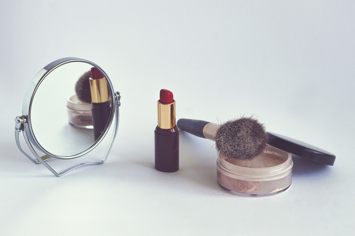 Cosmetics Marketing in the Age of E-Commerce